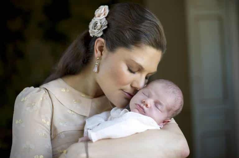 Kronprinzessin Victoria mit Baby