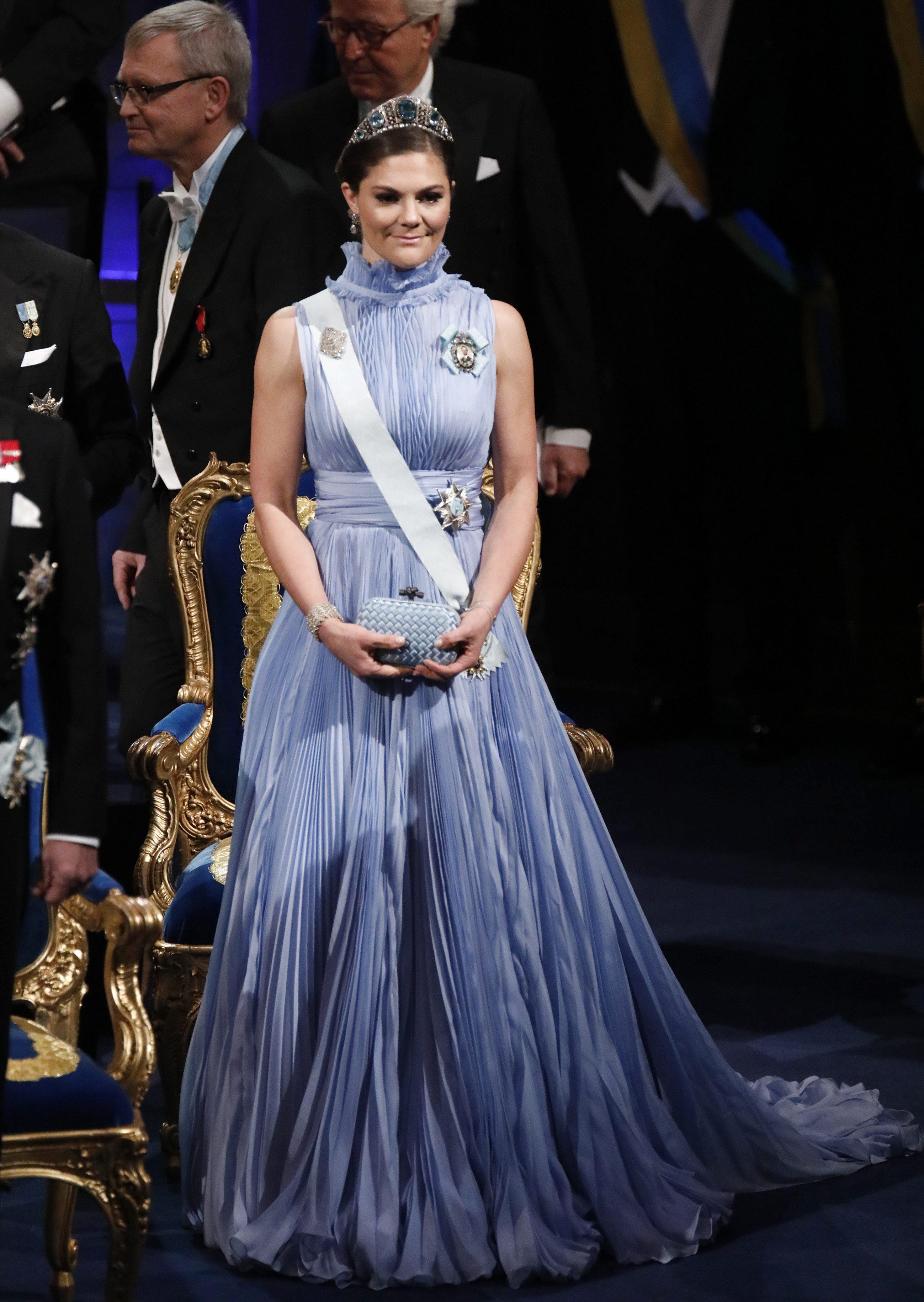 Victoria von Schweden in einem hellblauen Kleid