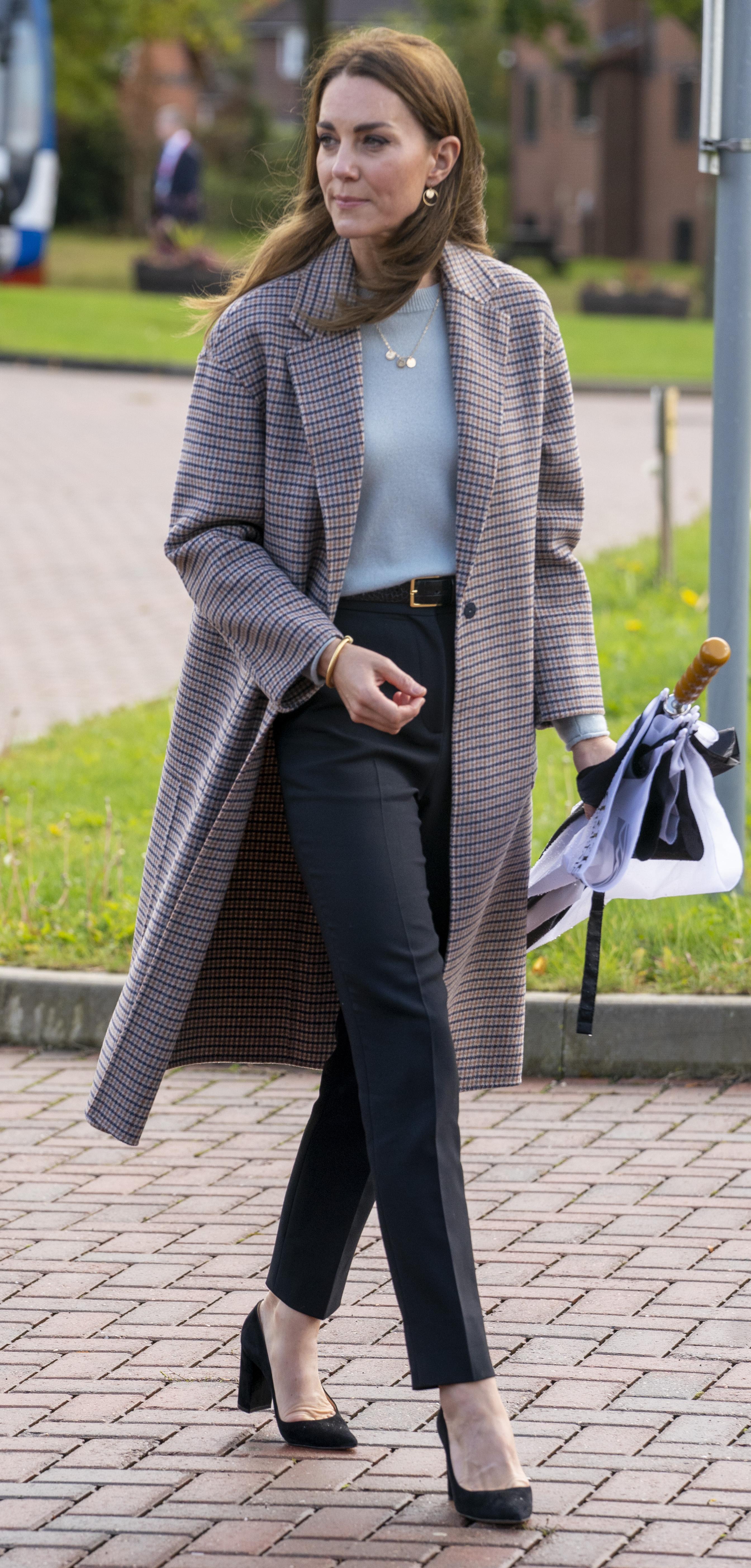 Herzogin Kate im Herbst-Look mit Mantel