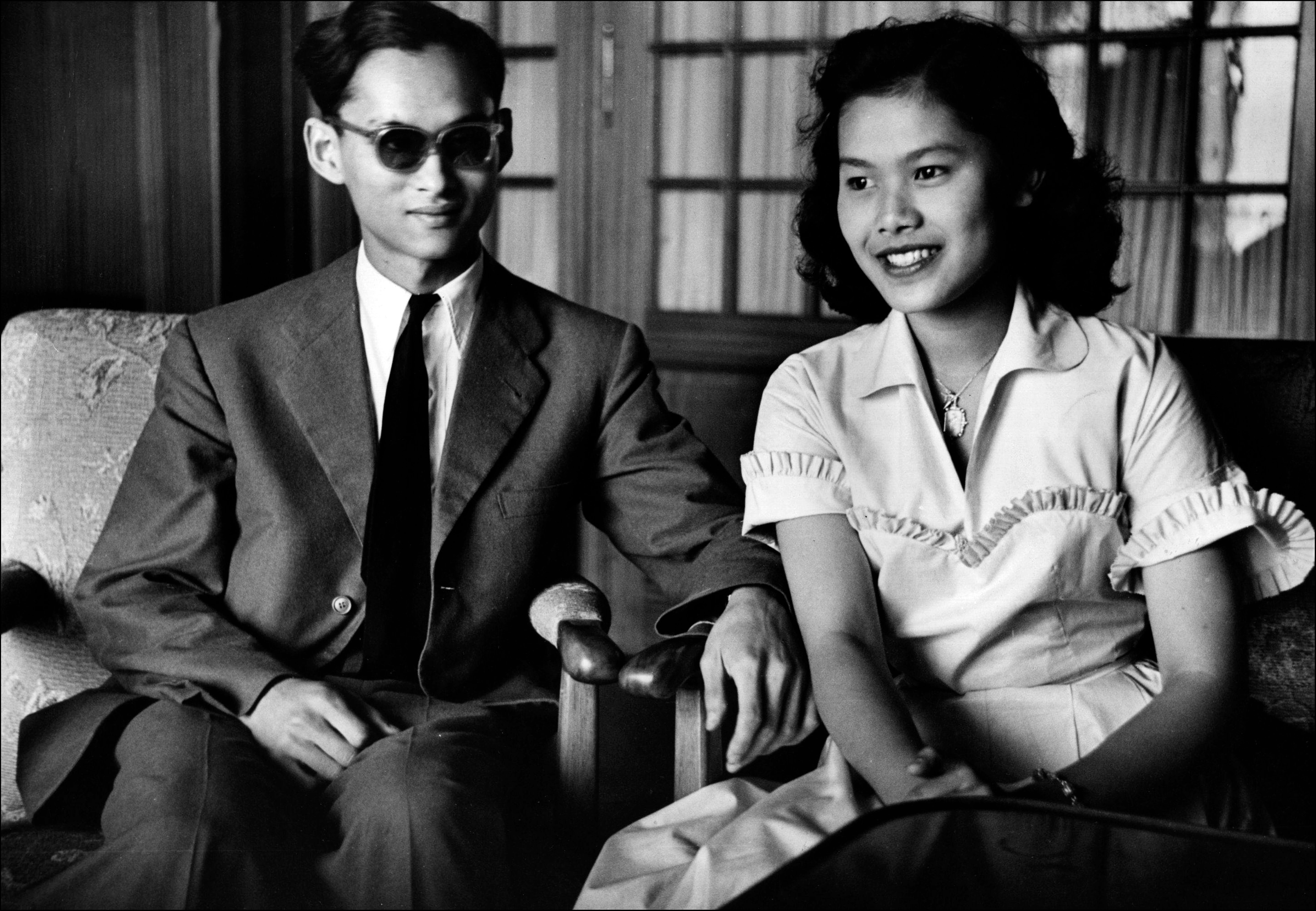 Königin Sirikit und König Bhumibol