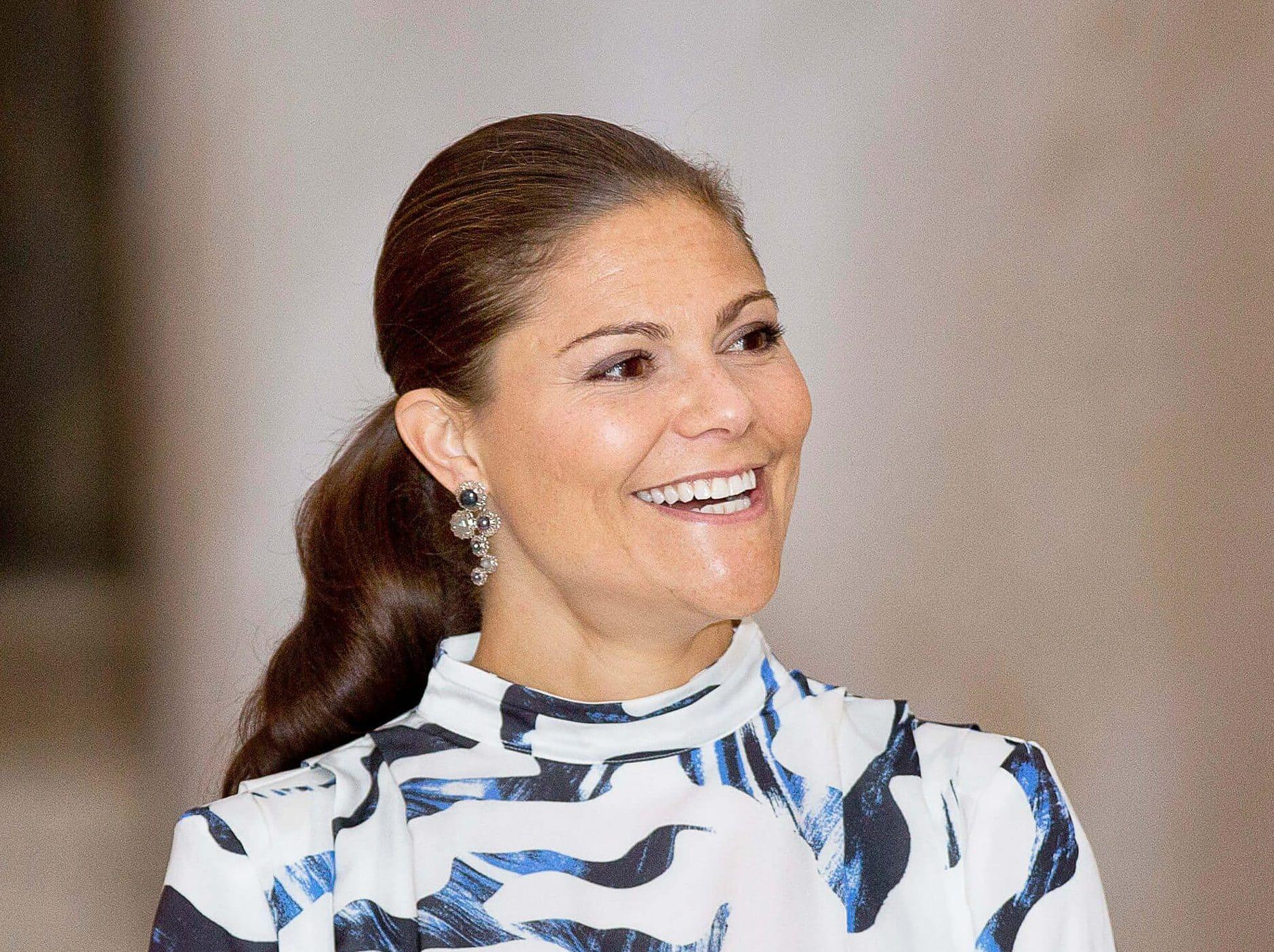 Kronprinzessin Victoria: So lustig tanzt sie hinter den Kulissen