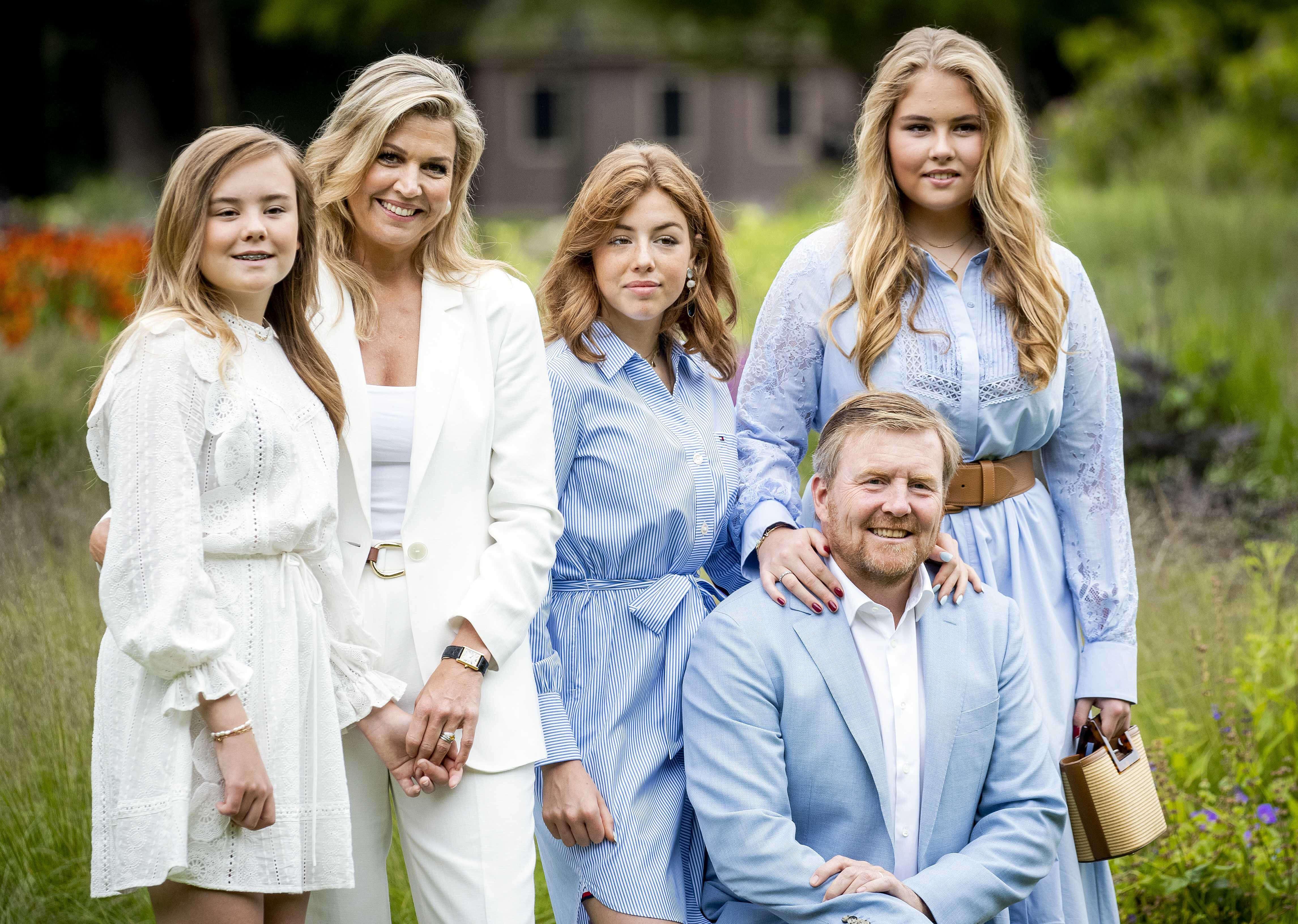 König Willem-Alexander: So sehr leiden seine Töchter