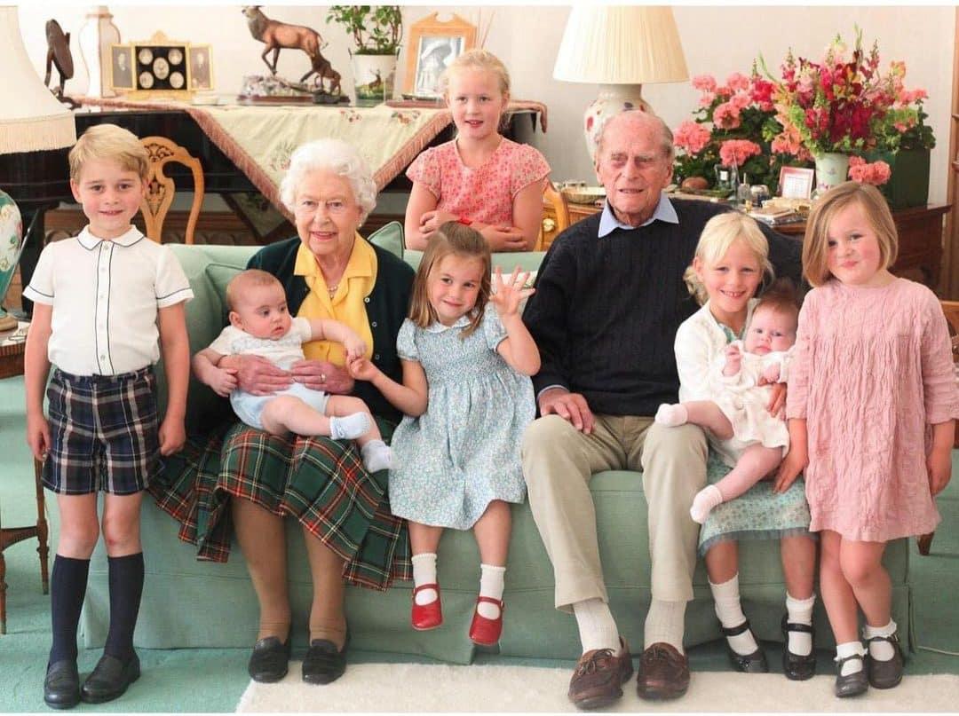 Britische Königsfamilie teilt ungesehene Familienfotos
