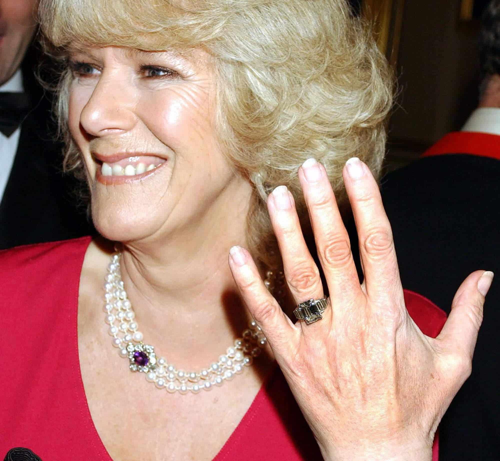 Herzogin Camilla und ihr Verlobungsring