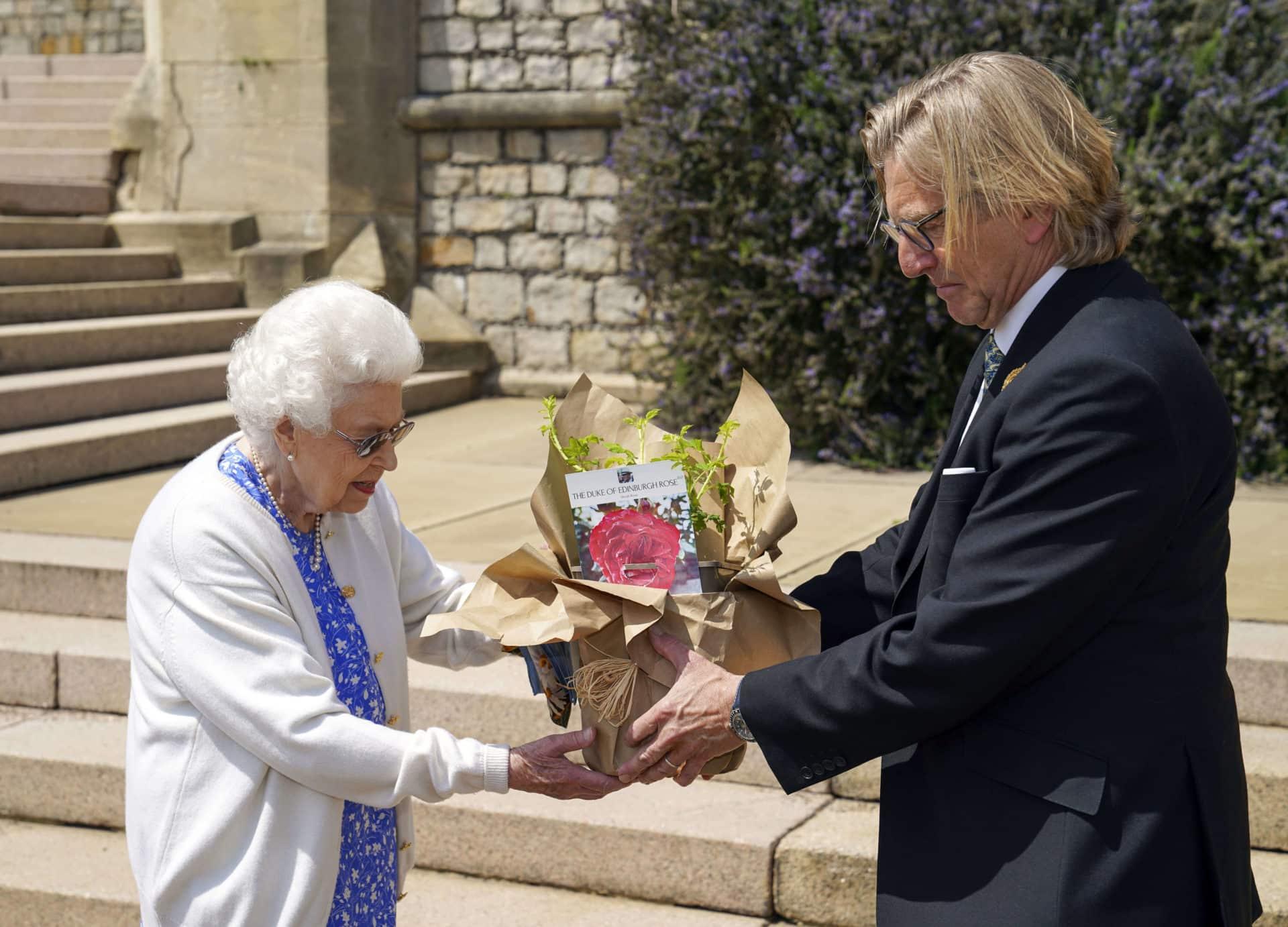 Queen Elizabeth: Geschenk zum 100. Geburtstag von Prinz Philip