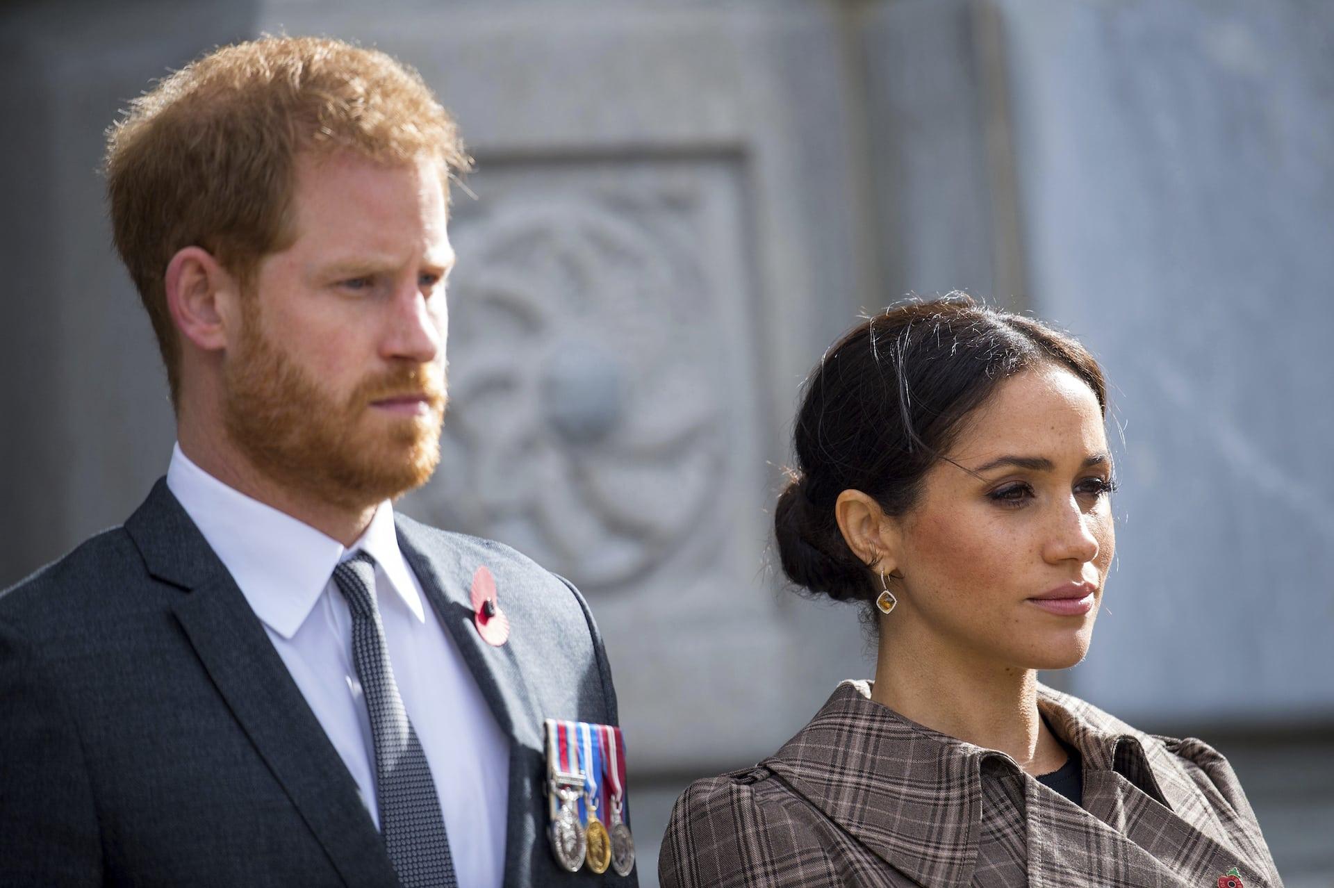 Herzogin Meghan und Prinz Harry haben dramatische Neuigkeiten aus dem Fernsehen erfahren. Thomas Markle will gegen die Royals vor Gericht ziehen.