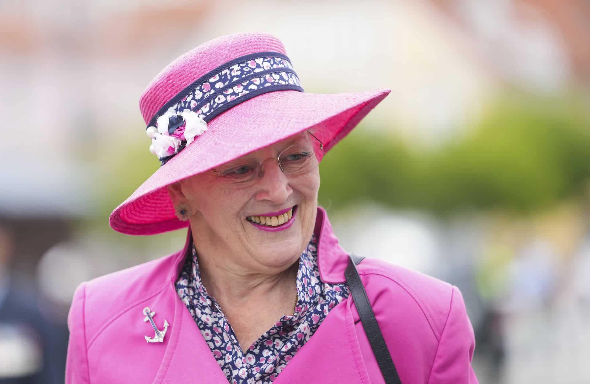 Königin Margrethe scherzt vor Presse über ihr hohes Alter