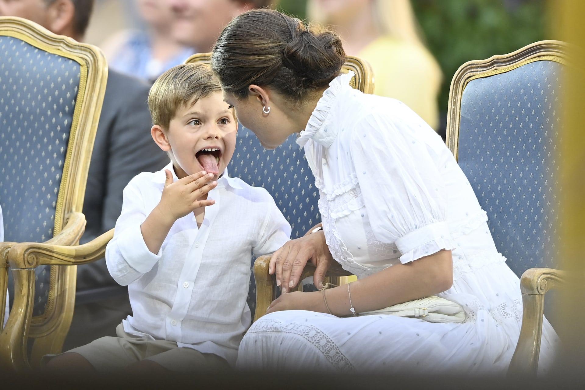 Kronprinzessin Victoria: Prinz Oscar wird zum Kaspar-König