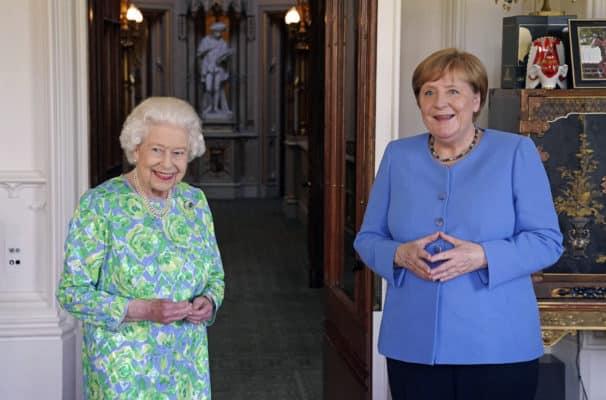 "Queen Elizabeth sagt ""Goodbye"" zu Angela Merkel"