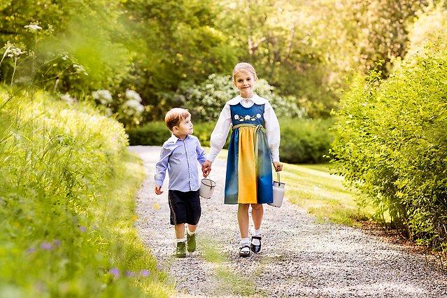 Prinz Oscar und Prinzessin Estelle im Juni 2019 im Haga Park.