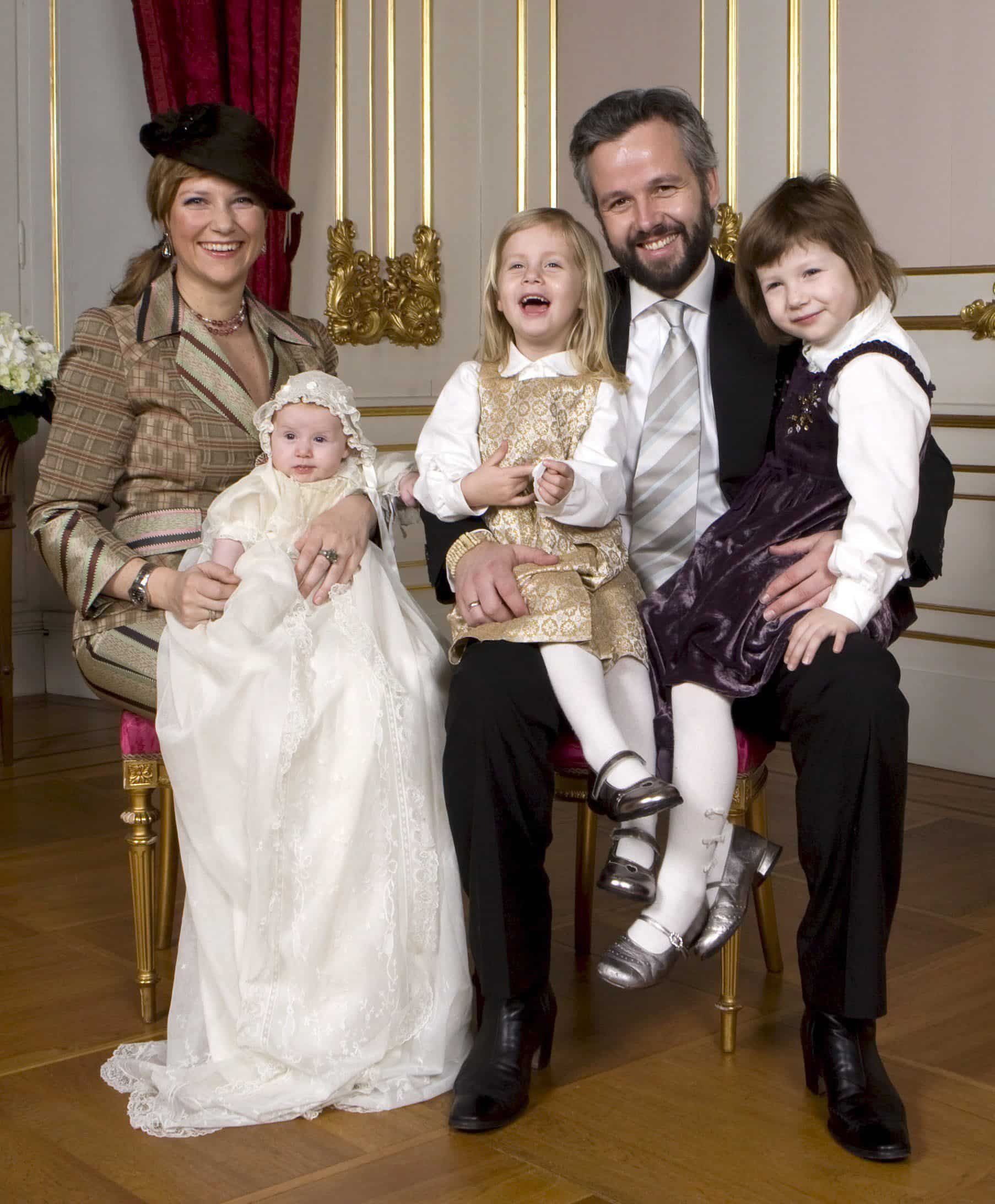 Taufe von Emma Tallulah Behn: Das Familienglück wirkt perfekt.